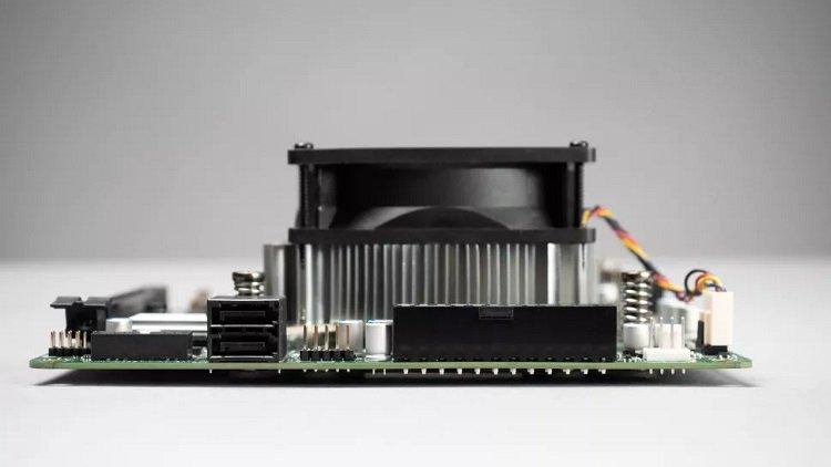 AMD превратила бракованные чипы от Xbox Series X в платформу для десктопов 4700S