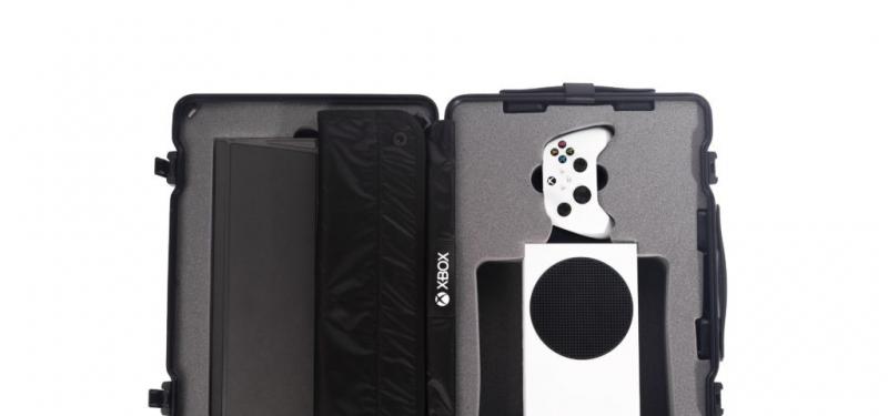 Портативный комплект Xbox Series S в честь запуска Microsoft Flight Simulator