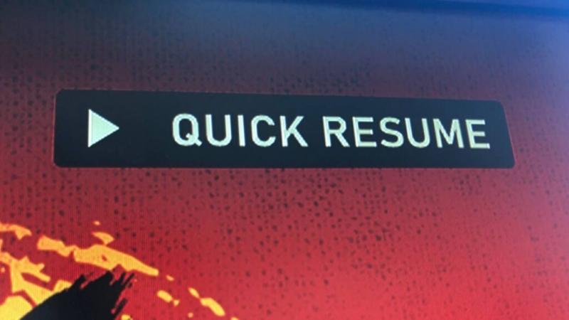 Проблему с черным экраном при работе Quick Resume устранили в новой прошивке Xbox