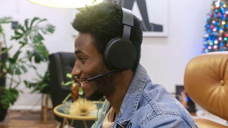 Microsoft представила проводную гарнитуру Xbox Stereo Headset с пространственным звуком