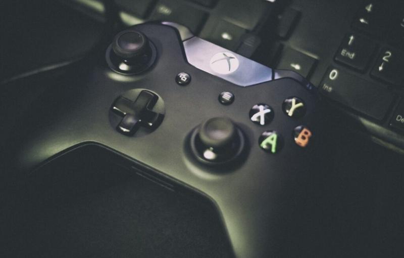Геймпады Xbox One получают возможности контроллеров нового поколения