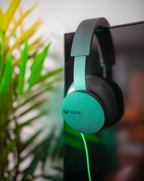 Повседневная жизнь Xbox Stereo Headset – это отлично выглядеть в любом интерьере в перерывах между вашими игровыми сессиями